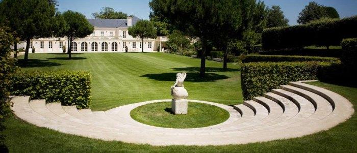 The impressive chateau of Malartic Lagraviere
