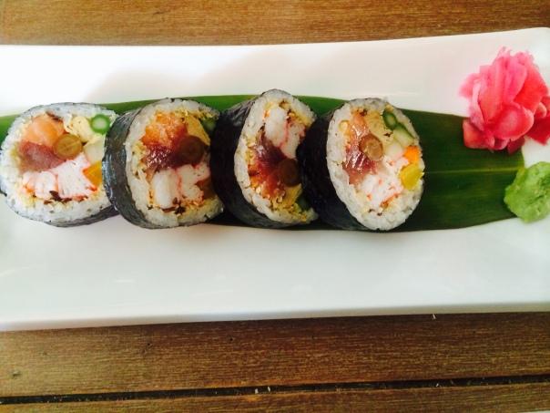 Futomaki Sushi Roll